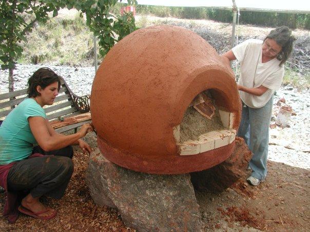 Costruire un forno in terra cruda - Forno di terracotta ...