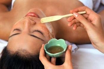 L'olio d'oliva come alimento topico, ad uso esterno per la salute.